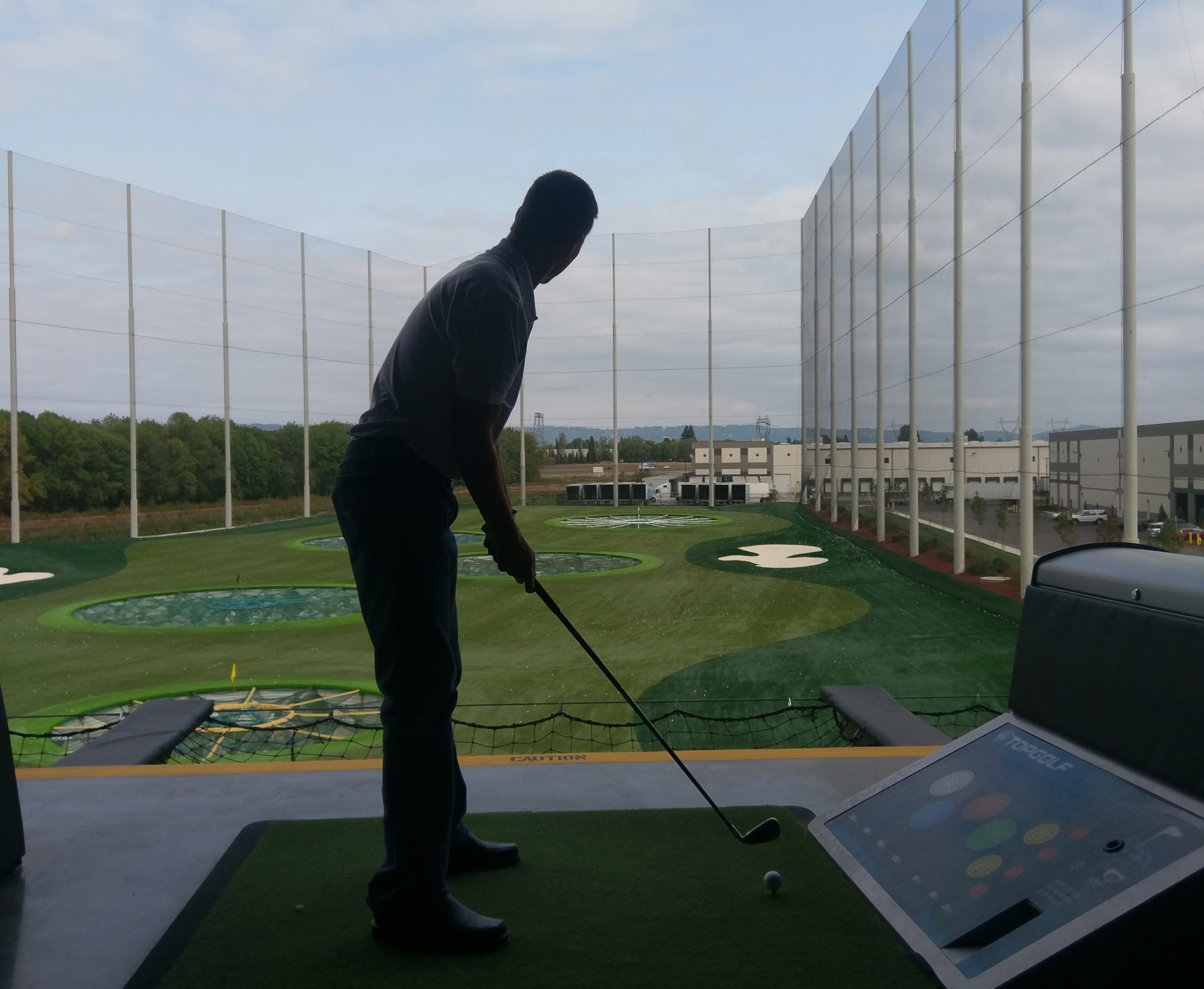 Jones & Roth Construction Team joins Surety Association of Oregon at Top Golf
